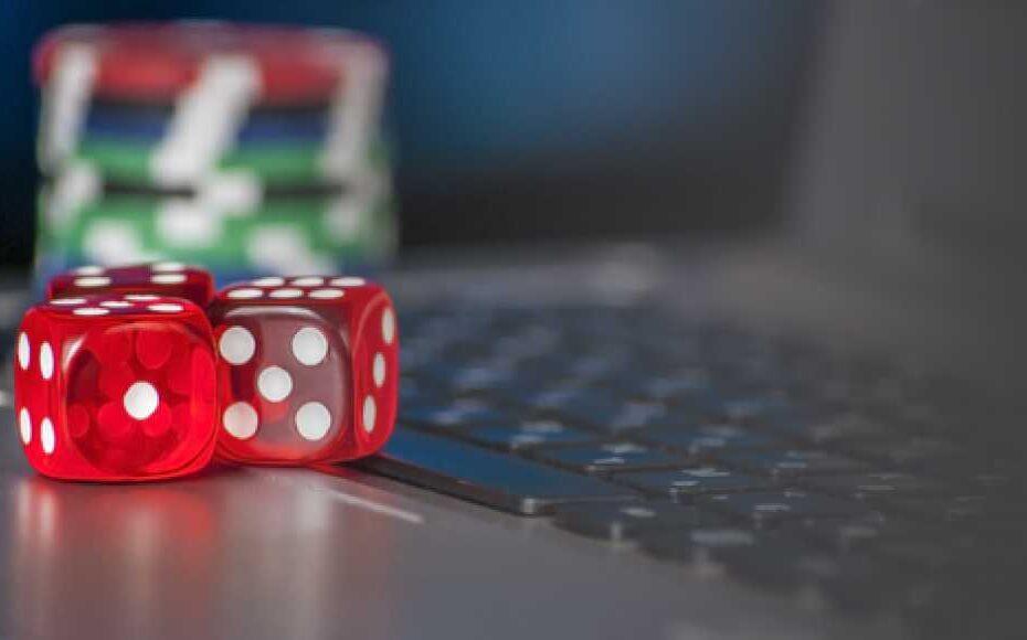 ไฮโล ตำนานเกมลูกเต๋า เกมที่ใช้อุปกรณ์การเล่นง่ายๆ แต่เล่นแล้วติดใจ